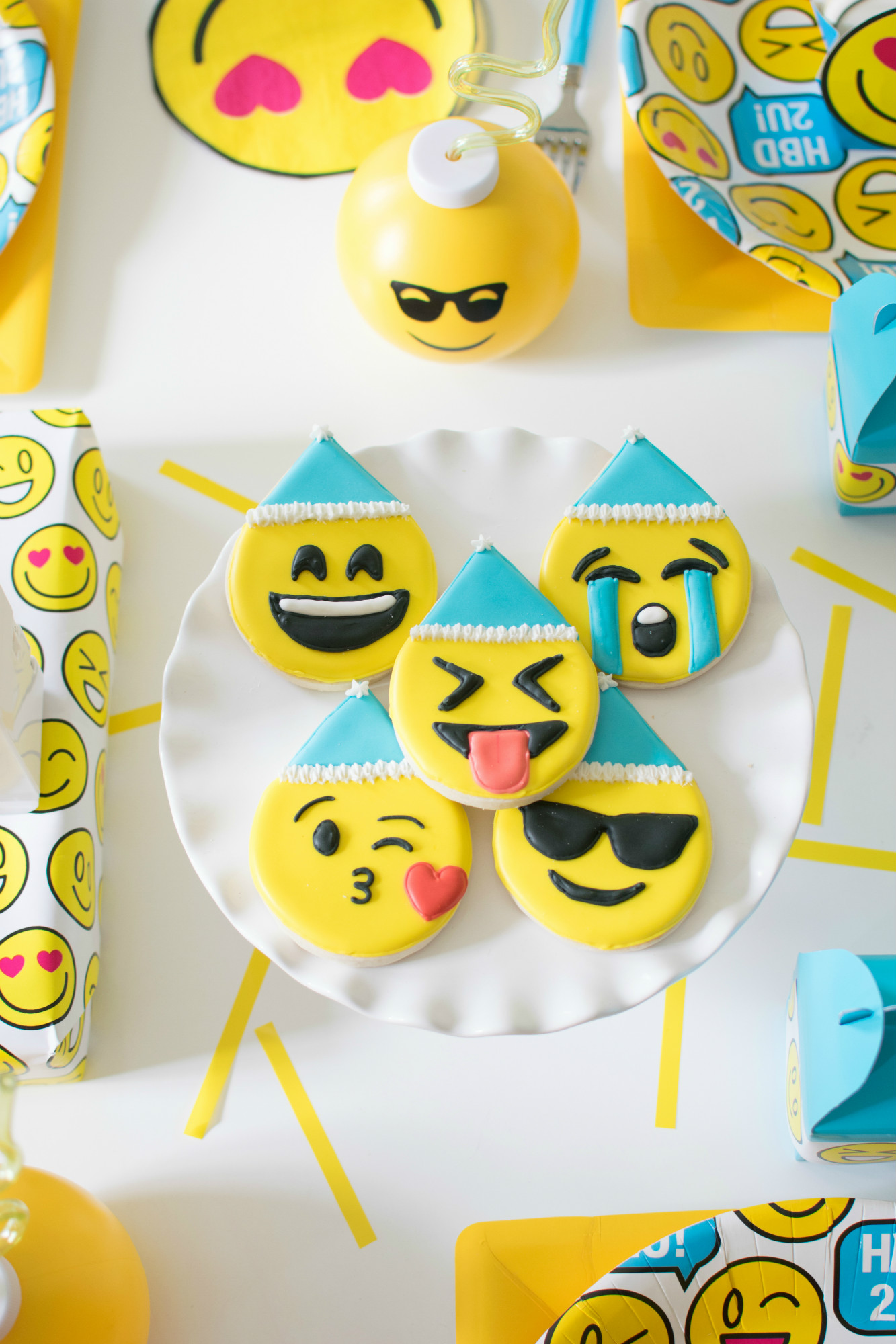 Emoji sugar cookies from Emoji Birthday Party | Twinkle Twinkle Little Party | Black Twine