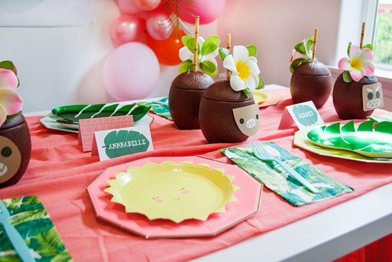 Coconut Cups and Place Settings from Moana Birthday Party by Itsy Belle Studio | Black Twine