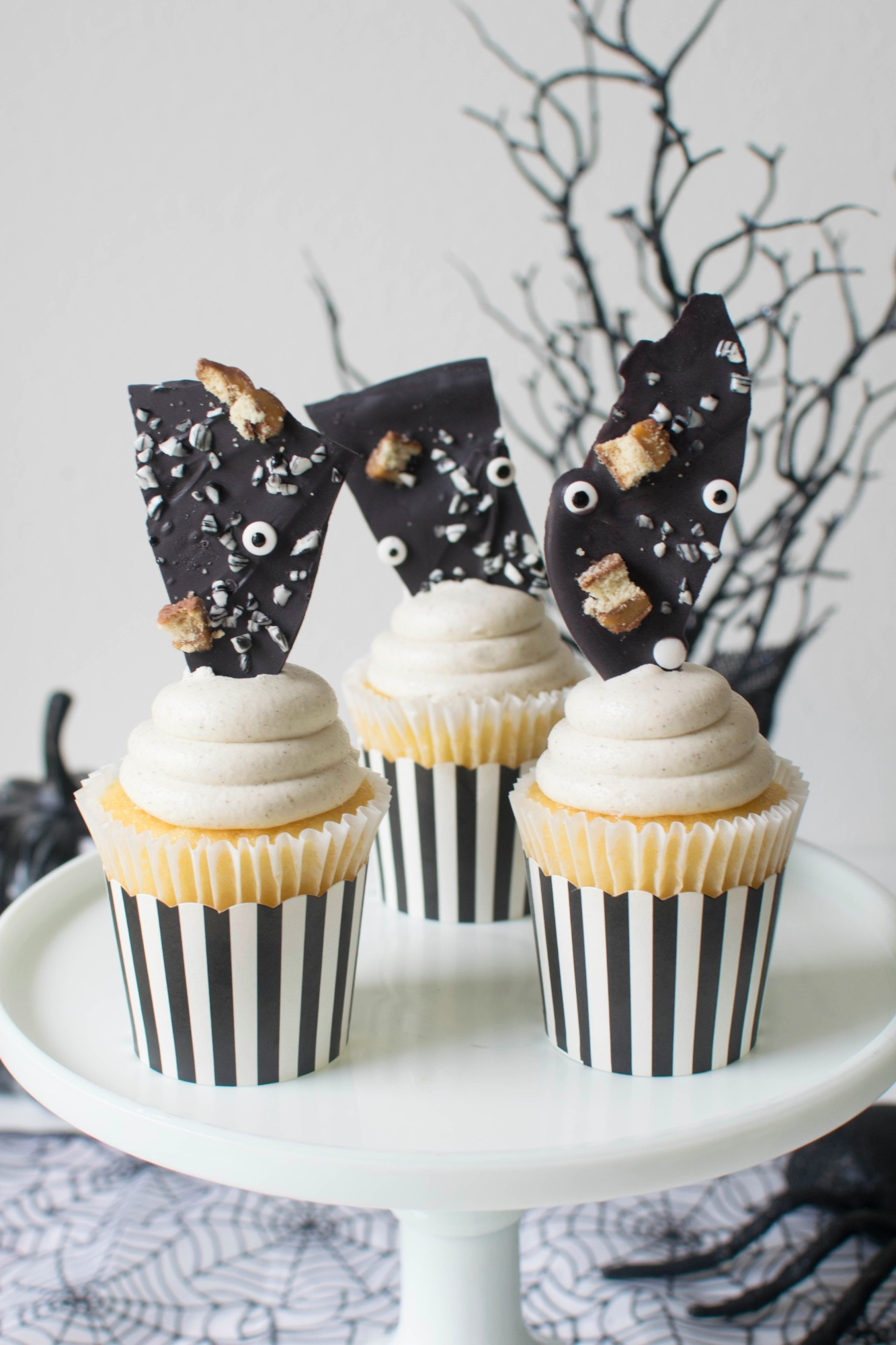 Cupcakes and chocolate bark from Ghostly Halloween Party by Twinkle Twinkle Little Party | Black Twine