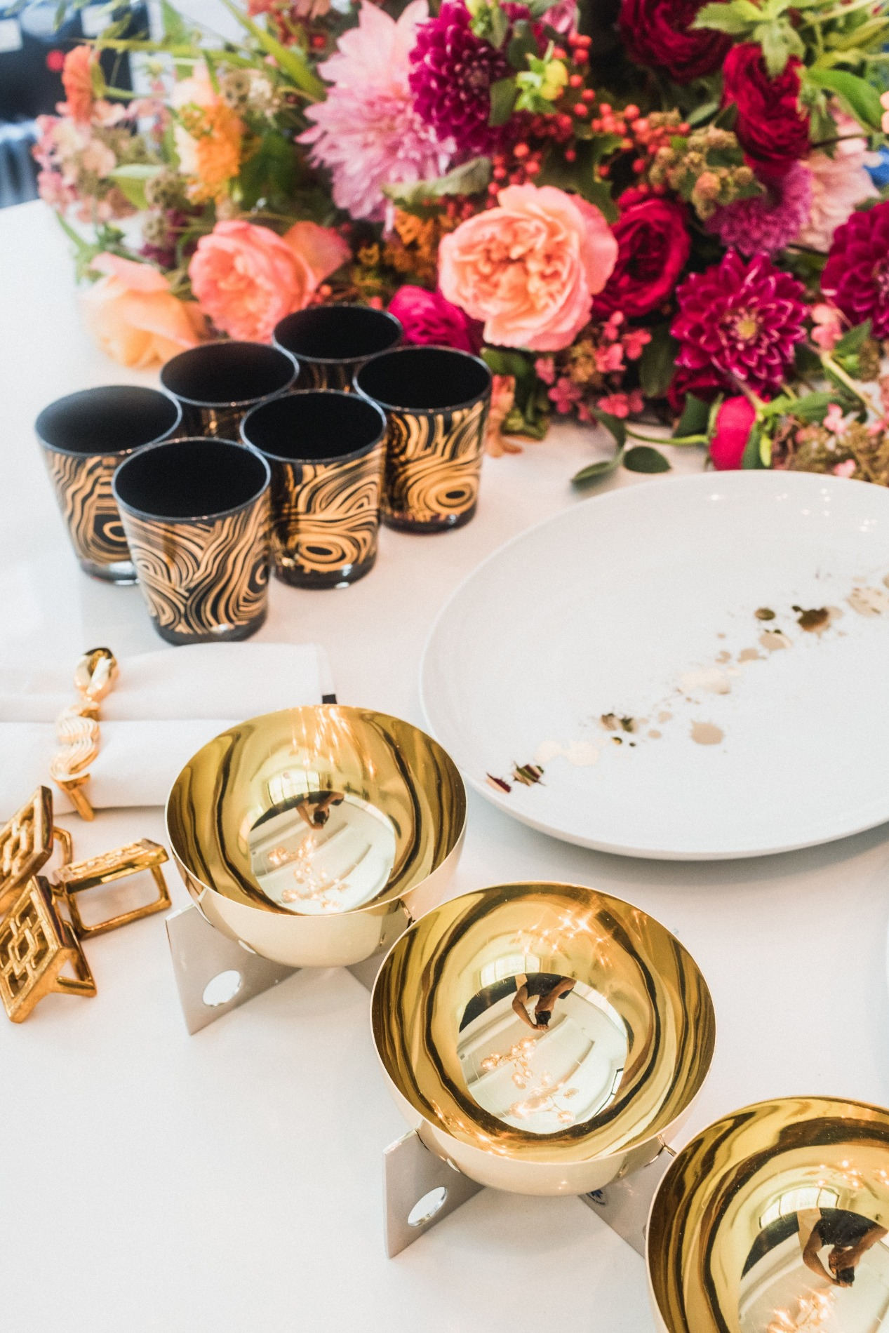 Cocktail party plates and servingware Jonathan Adler | Black Twine