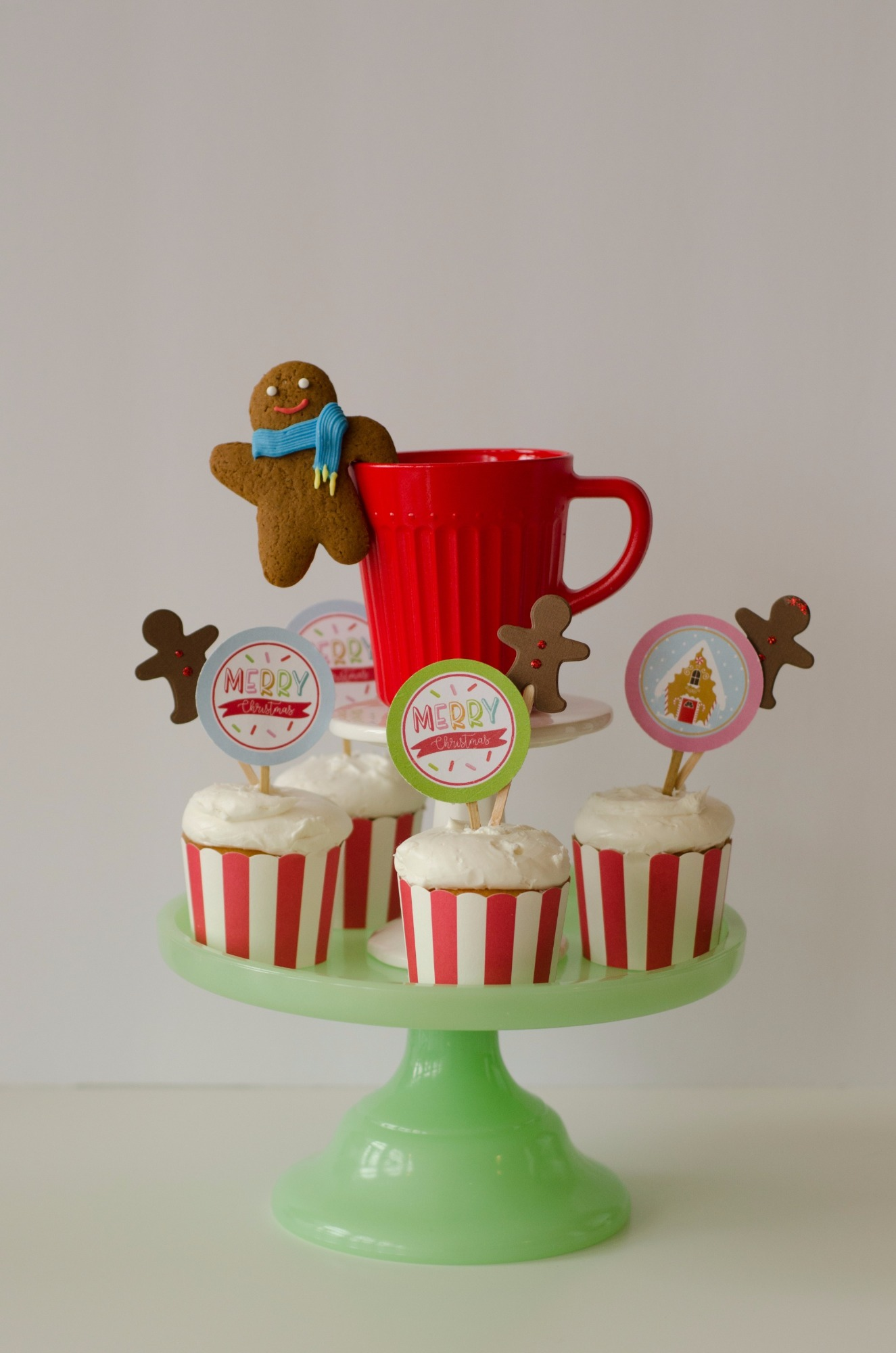 Cupcakes from Cookies for Santa Party by Mint Event Design | Black Twine