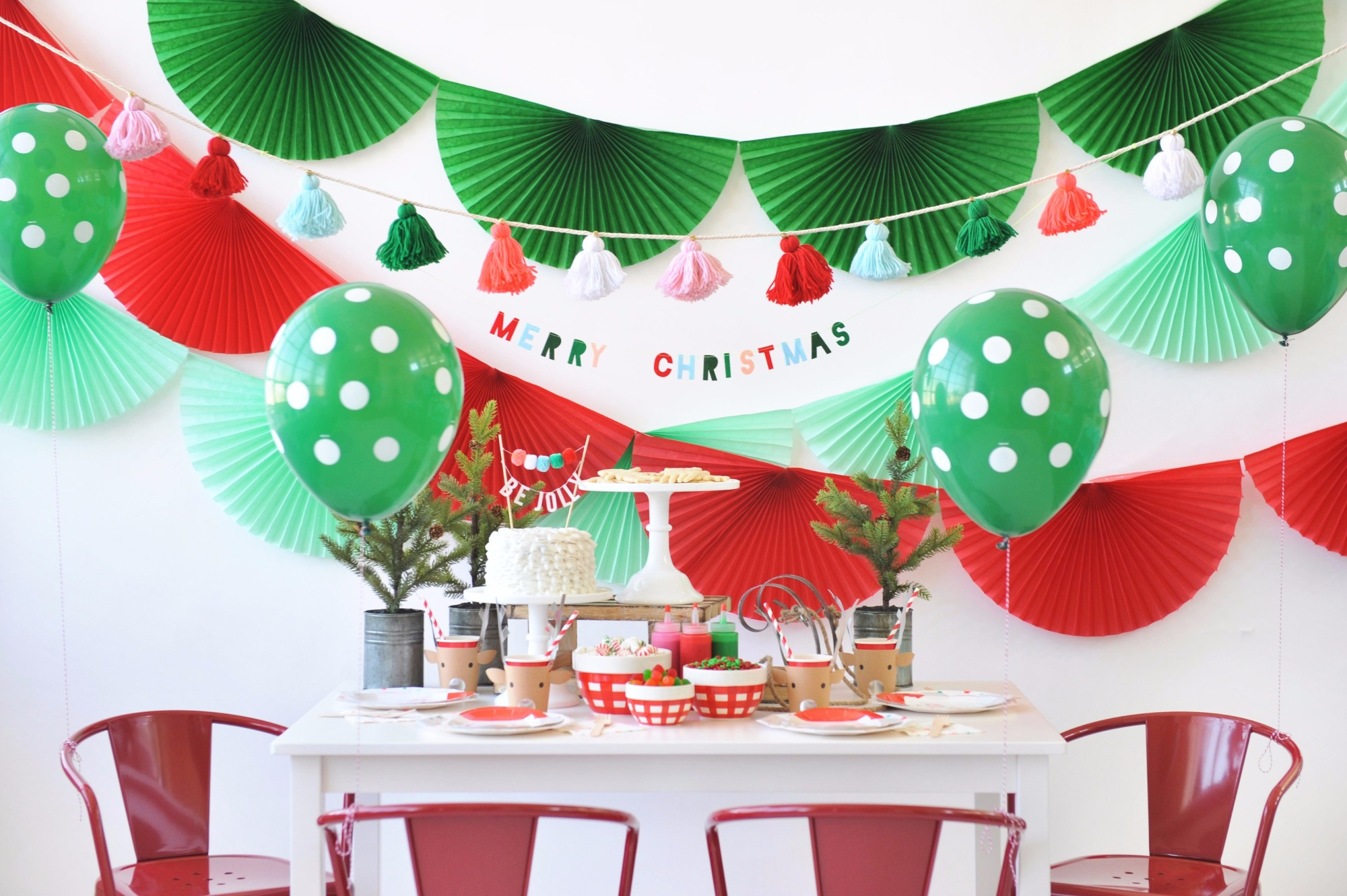 Tablescape from Holly Jolly Party by Happy Wish Company | Black Twine