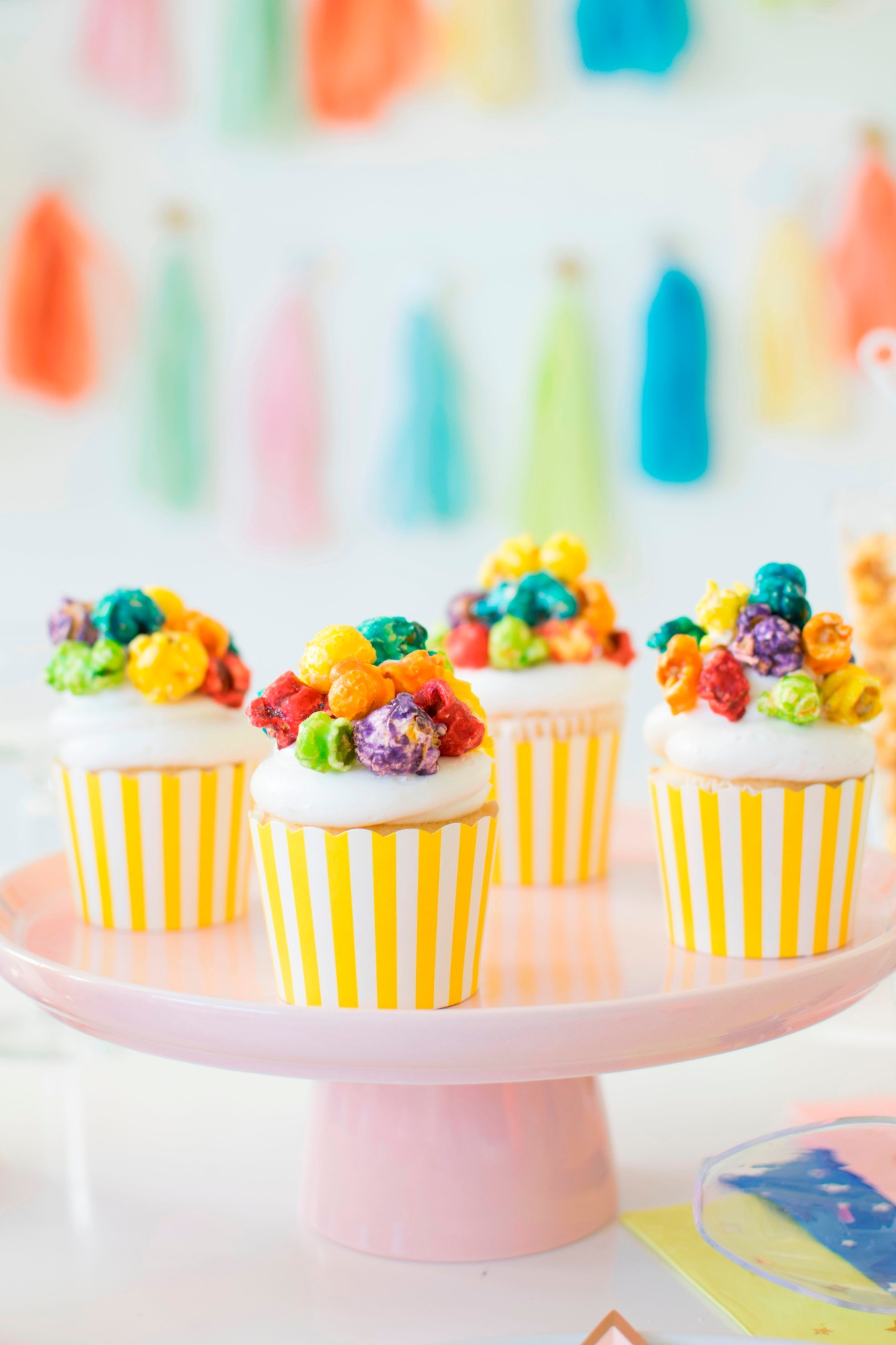 Popcorn Cupcakes | Hollywood Glamour Party Styled by Twinkle Twinkle Little Party | Black Twine