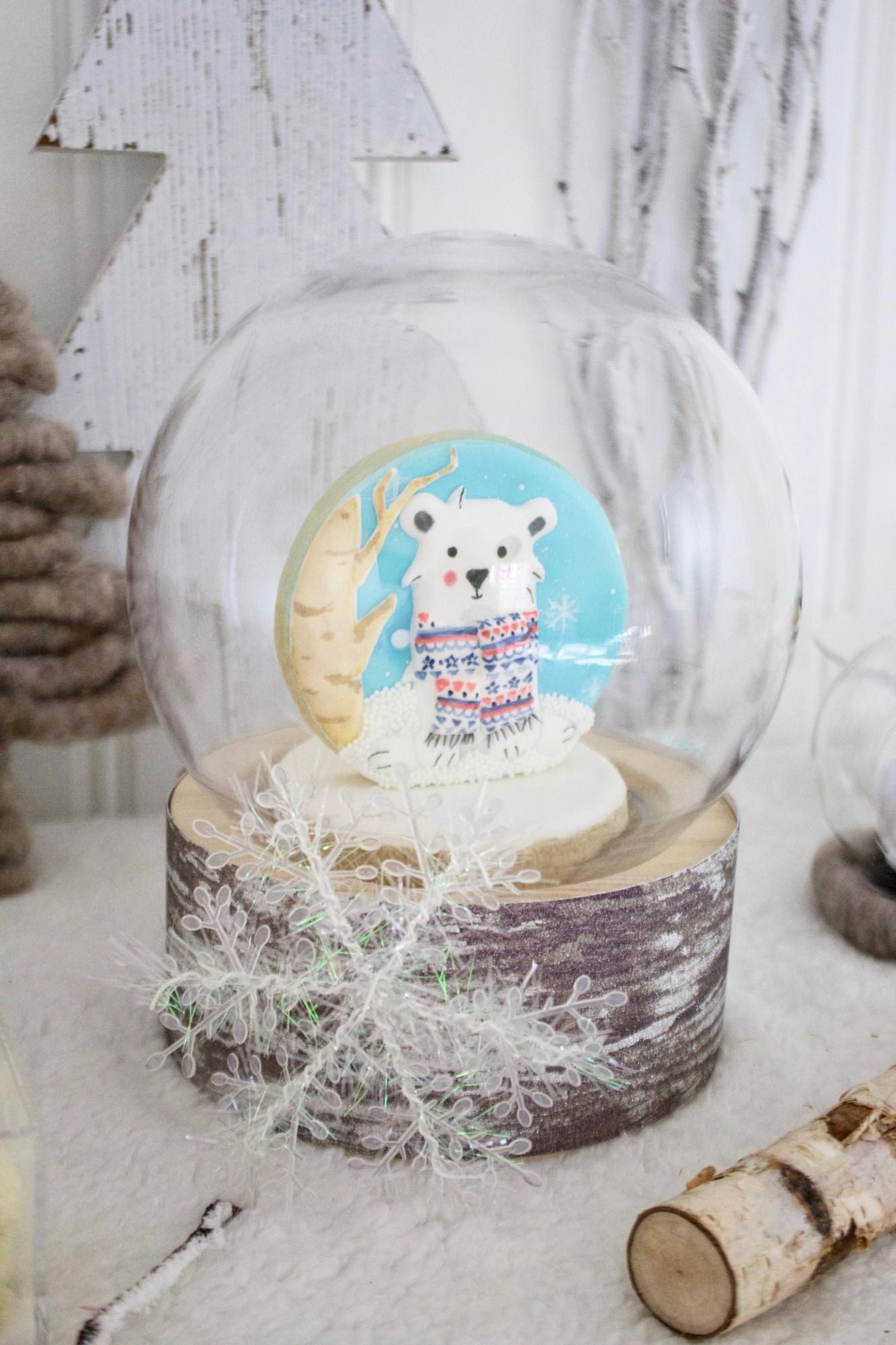 Cookie Snow Globe from Winter ONEderland Birthday Party by Jen T by Design | Black Twine