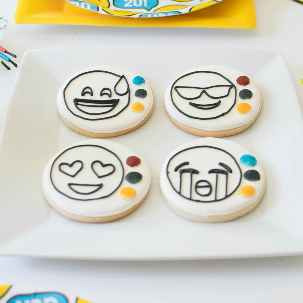 paintable emoji cookies xobakes