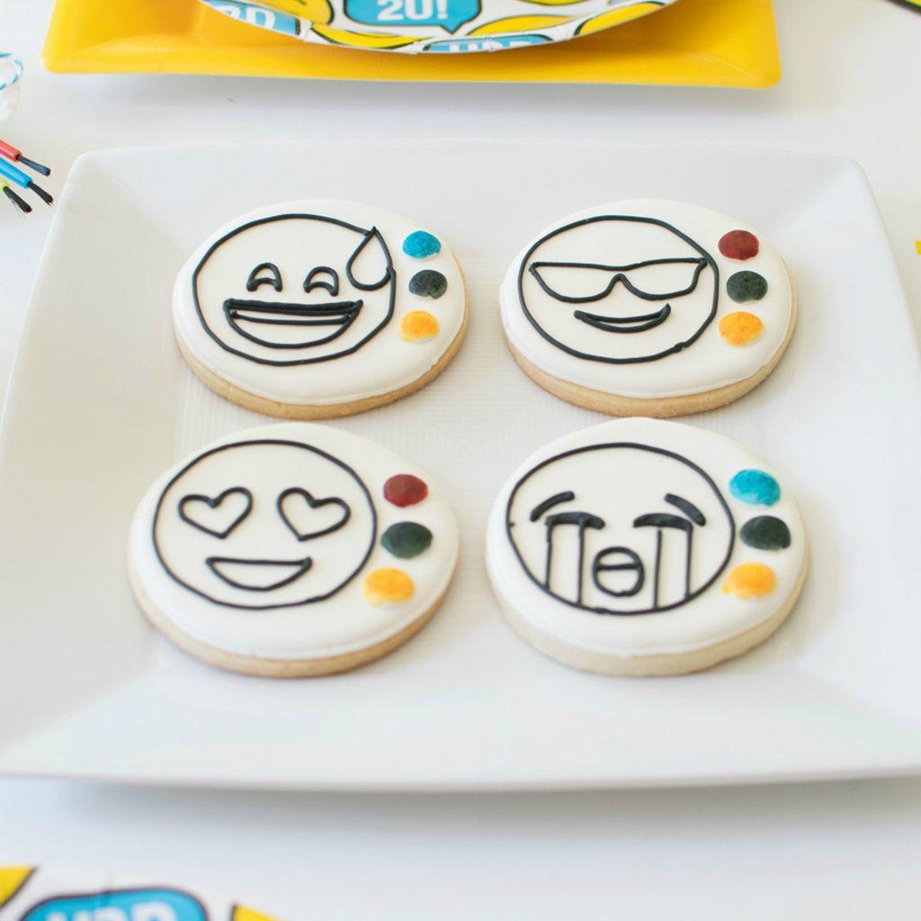 paintable emoji cookies xobakes
