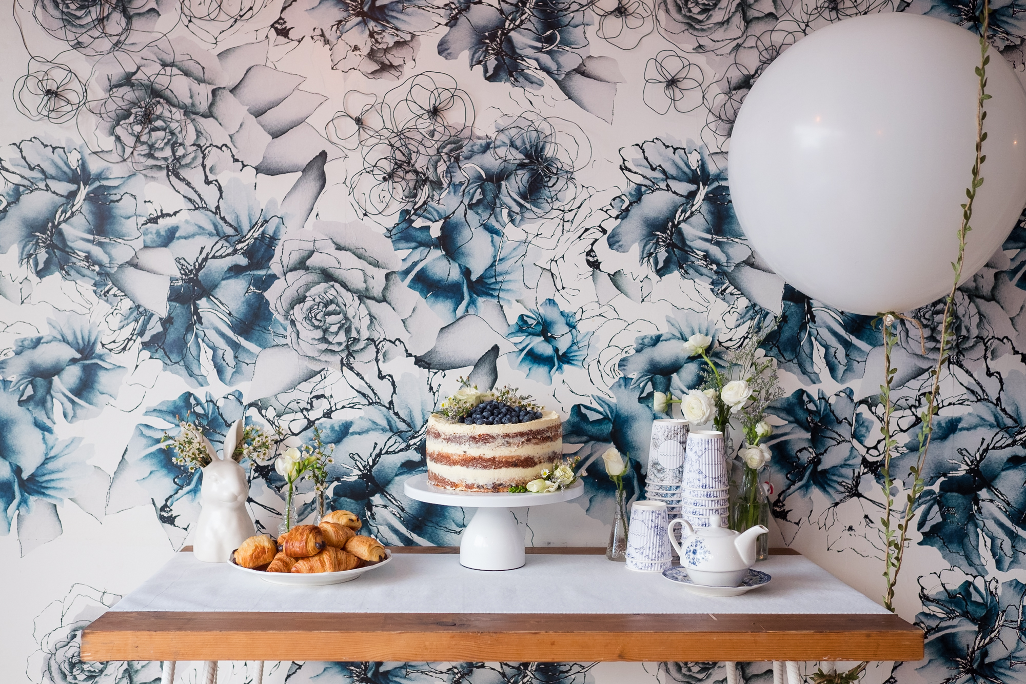 How to throw a baby shower | Maman Dessert Table