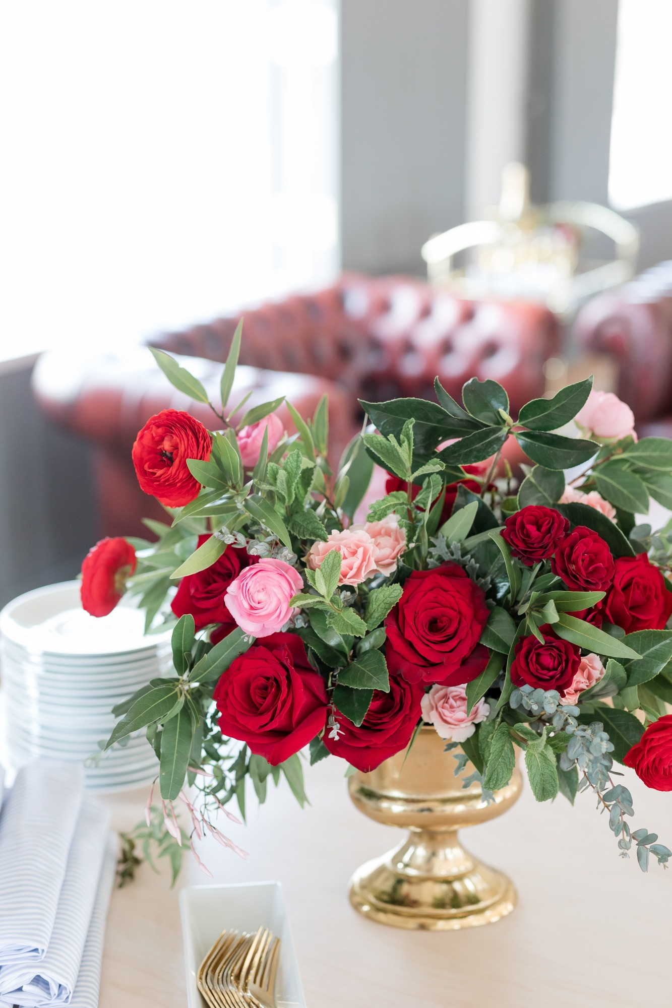 Roses Flowers from Off to the Races Derby Party Styled by Cherry Blossom Events | Black Twine