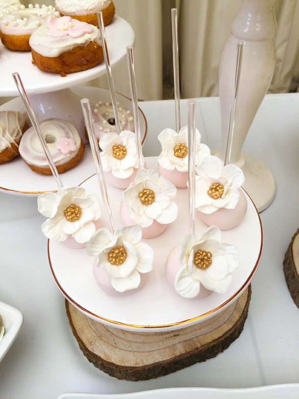 Flower Cake Pops from Botanical Garden Birthday Party styled by Dohlhouse Designs | Black Twine