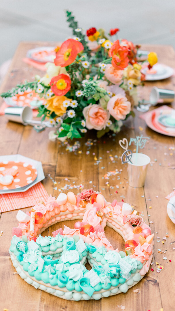 Tablescape from Peace, Love & Party styled by Deets & Things | Black Twine