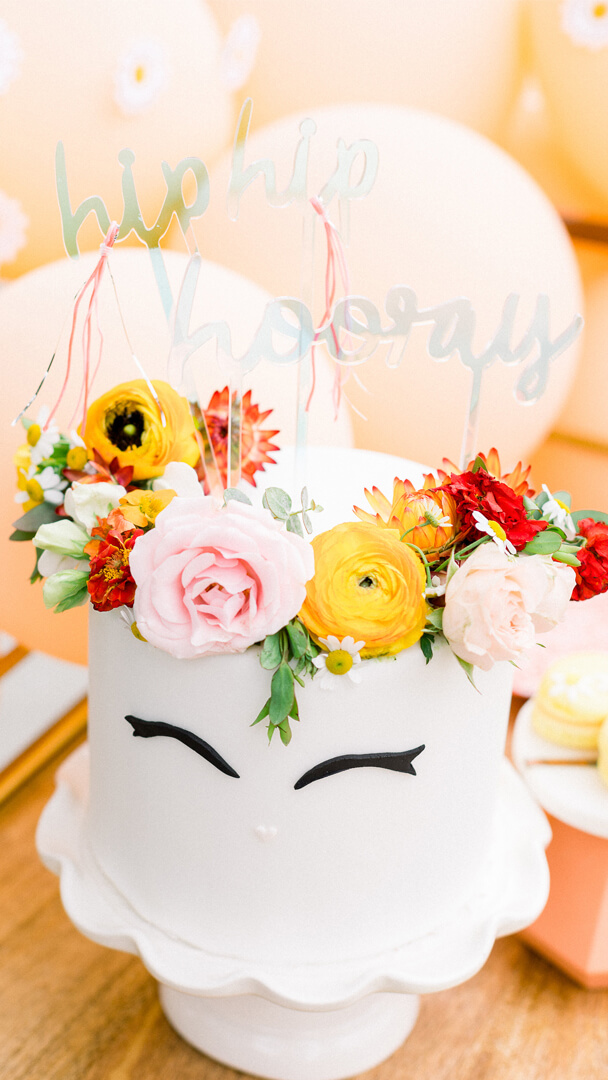 Unicorn Cake from Peace, Love & Party styled by Deets & Things   Black Twine