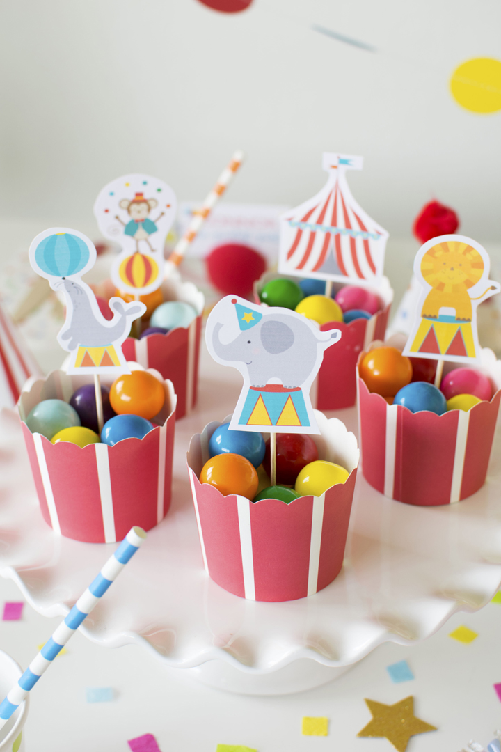 Gumballs from Circus Animal Parade Party styled by Twinkle Twinkle Little Party | KikiBoxes | Black Twine