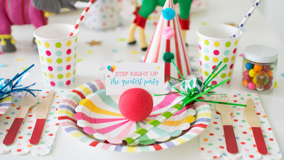 Place Setting from Circus Animal Parade Party styled by Twinkle Twinkle Little Party | KikiBoxes | Black Twine