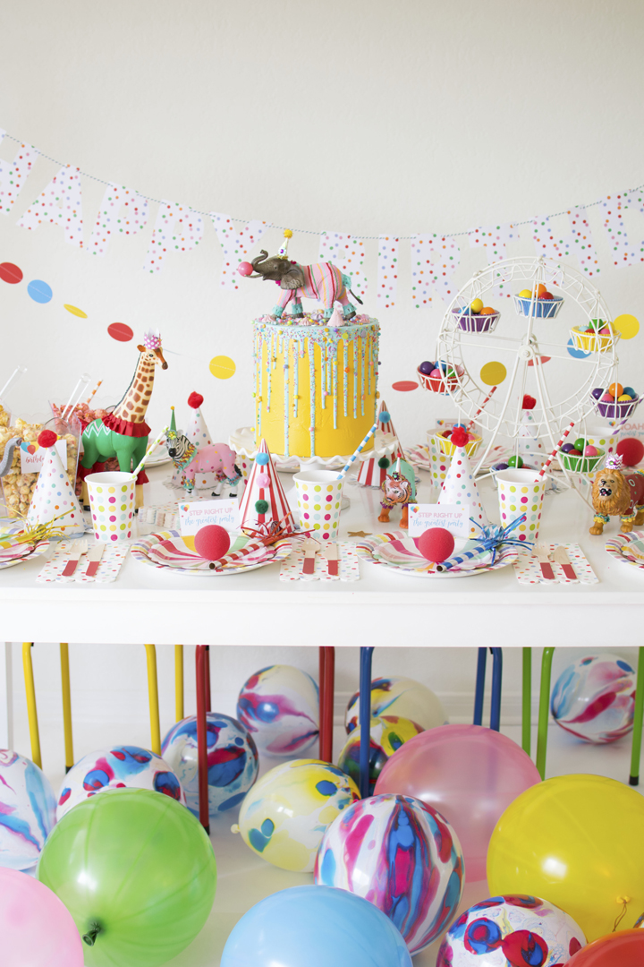 Tablescape and Balloons from Circus Animal Parade Party styled by Twinkle Twinkle Little Party | KikiBoxes | Black Twine