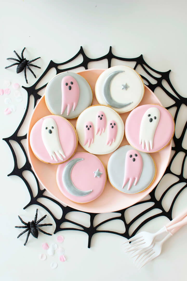 Ghost Cookies in Spider Web Placemat from Spooky Pink Halloween Party Featuring Daydream Society In Collaboration with Twinkle Twinkle Little Party | Black Twine
